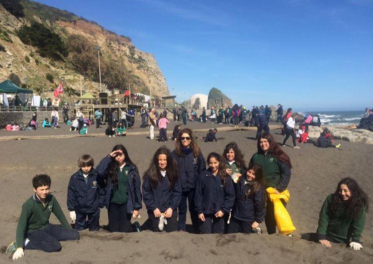 Limpieza de Playas. Armada de Chile