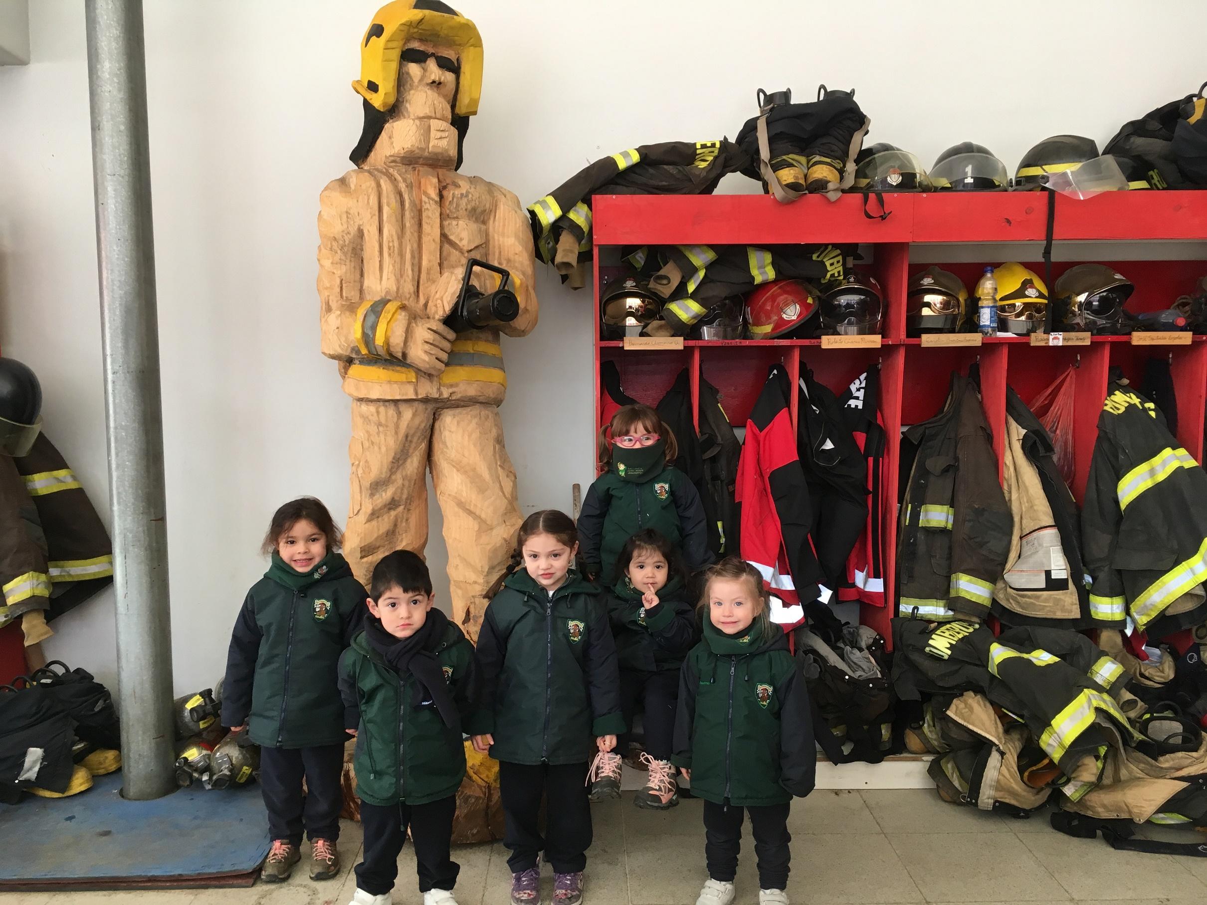 Visitando a los bomberos