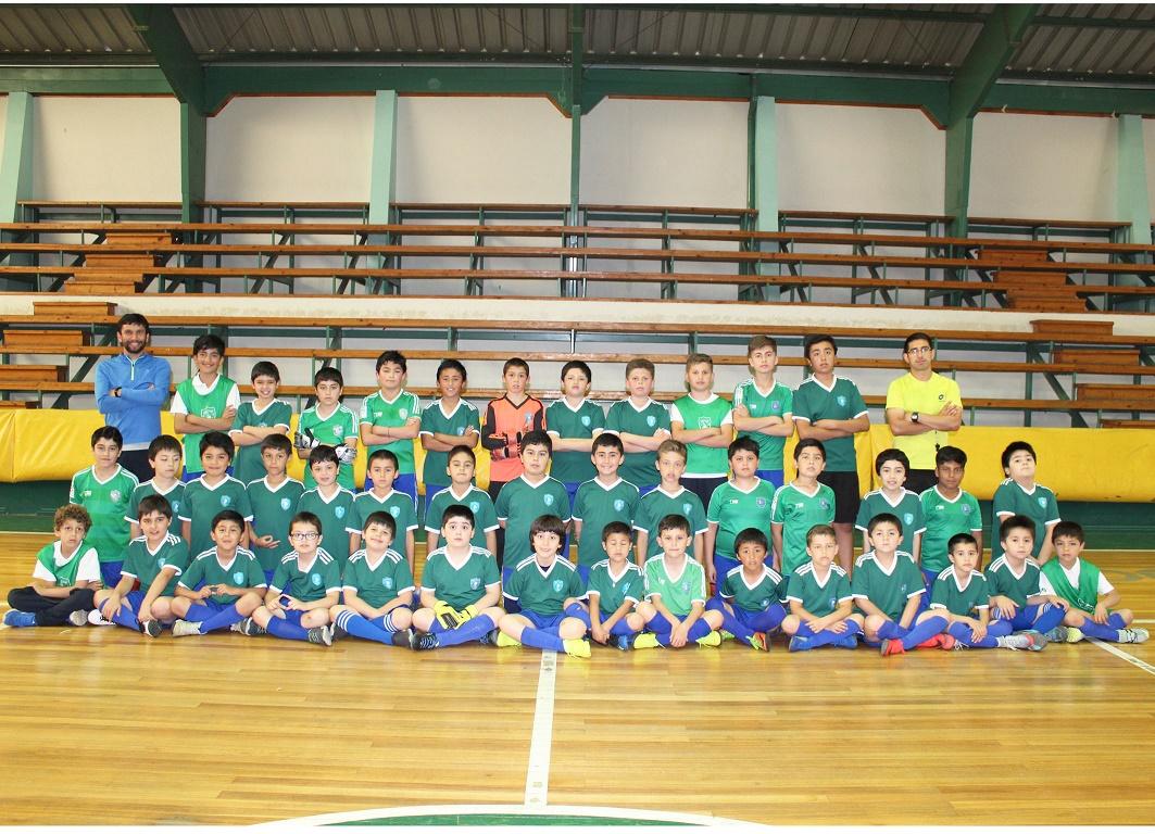 Escuela de fútbol varones 1°a 7°EB